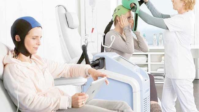Chemioterapia: casco salva capelli