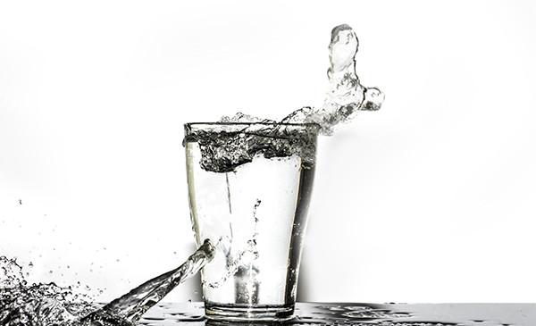 Acqua liscia o frizzante